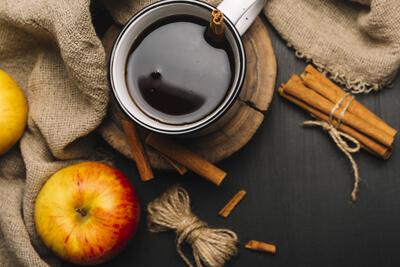 Аромат кофе и яблоко против табака